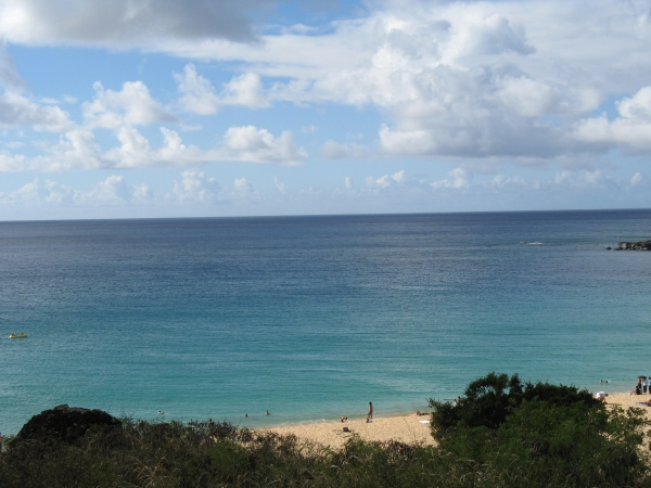 Waimea Bay calm water summer.